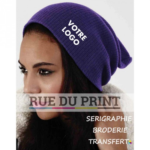 Bonnet personnalisable violet avec logo maille doublée 100% polyacrylique (toucher doux) tricot doux
