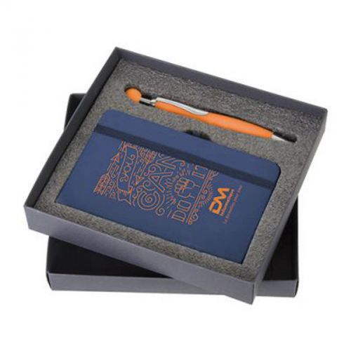 Boite noir comprenant un set stylo et bloc