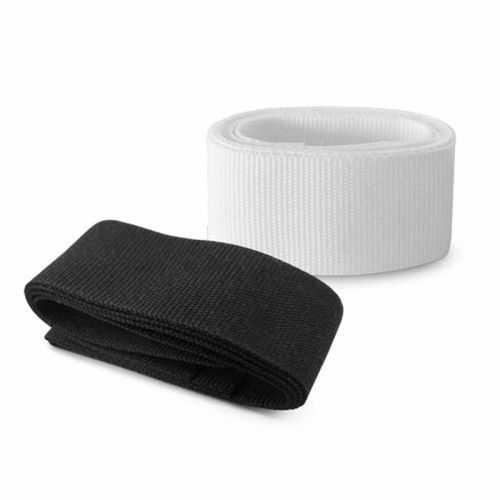 Ruban personnalisé noir, blanc pour chapeau 100% polyester. Indiqué pour le chapeau 99427. 650 x 20 mm