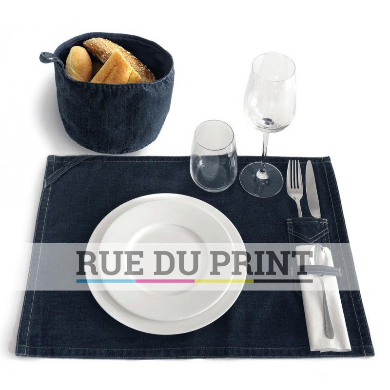 set de table en tissus personnalis pour orner votre repas. Black Bedroom Furniture Sets. Home Design Ideas