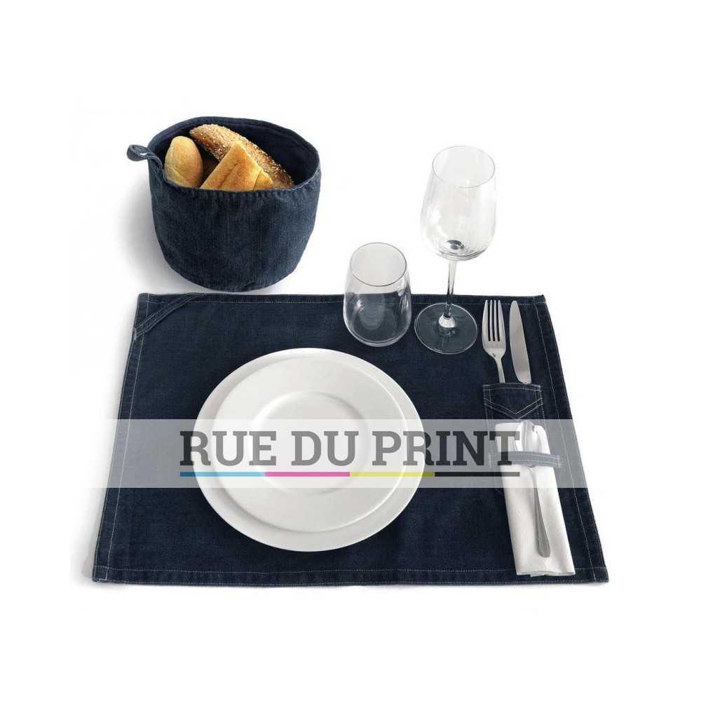 set de table en tissus personnalis pour orner votre repas. Black Bedroom Furniture Sets. Home Design Ideas