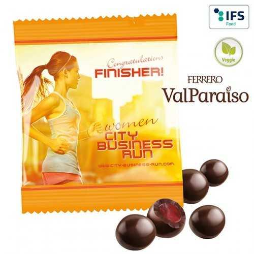 Perles personnalisées de chocolat Mélange de fruits à 99 % enrobé de chocolat noir en sachet blanc, laminage mat/brillant.